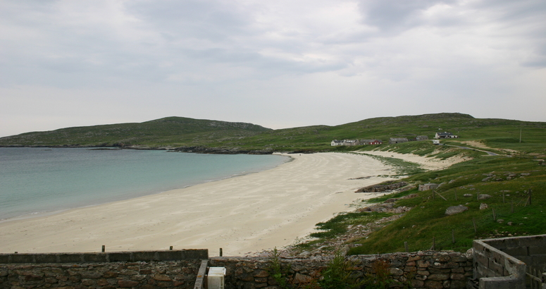 Wider view of Huisinis beach