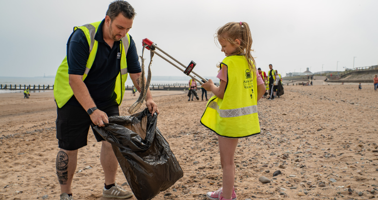 Litter picking on Aberdeen beach