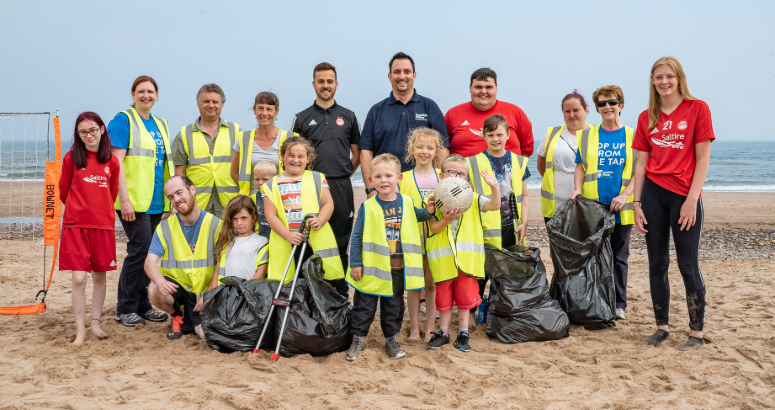 Litter pickers on Aberdeen Beach